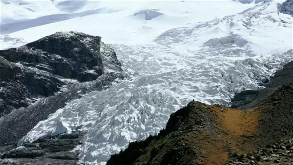 卡若拉冰川.jpg
