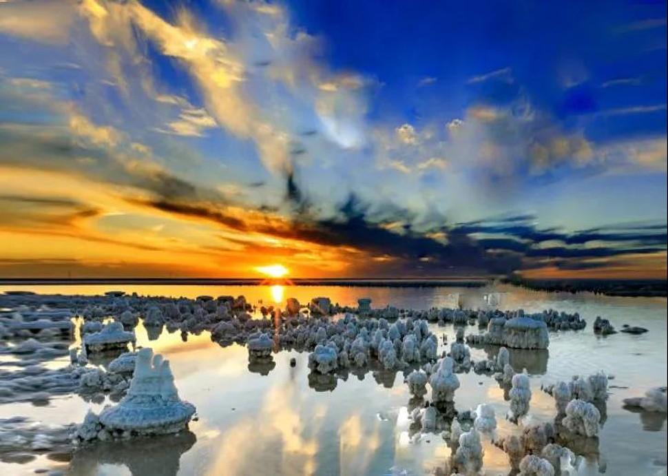 《盐湖余晖》 艺名 摄.jpg